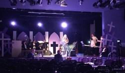De Marianum schoolband 'speelt' in wisselende samenstelling in Passion Lichtenvoorde. Foto: Eveline Zuurbier