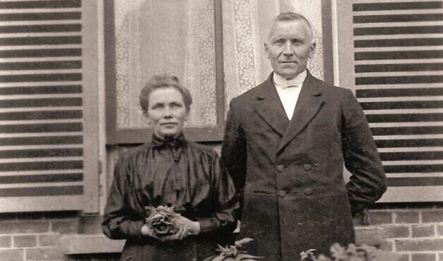 Ds. B. van Neerbos en zijn vrouw C.G. van den Berg.