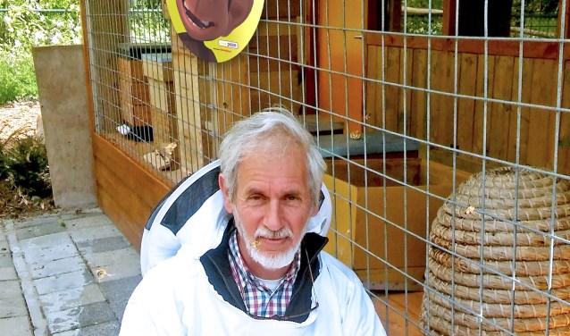 Bob Kosterman is voorzitter van de Bijenvereniging en werkzaam in Het Bijeenhuis in Wijktuin Achterveld/Groenvliet. (Foto: Pulse)