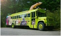 Bijzonder is dat de Beestenbus van Ouwehands Dierenpark Rhenen ook aanwezig is.