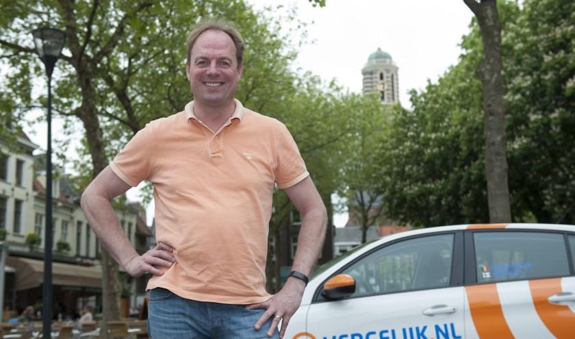 """Directeur Ben Kerkhof van Vergelijk.nl. """". """"We hebben al een aantal Zwollenaren aangetrokken en het zijn mensen die aanpoten en snel leren. We kunnen de juiste mensen ook intern opleiden."""" (Foto: Eva Posthuma)"""