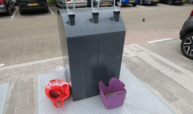 Bijplaatsen van afval zoals hier in Bolnes, is nu ook al verboden. (foto Geert van Someren)