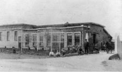 De veiling in 1917. (foto: collectie Historische Vereniging Barendrecht)