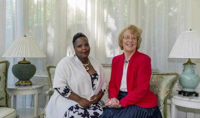 Mary Ann Nation (links) en Becky Failor steunen een nieuwe behandelmethode van kanker in Nederland (CPCT). Foto: Kim Bosch