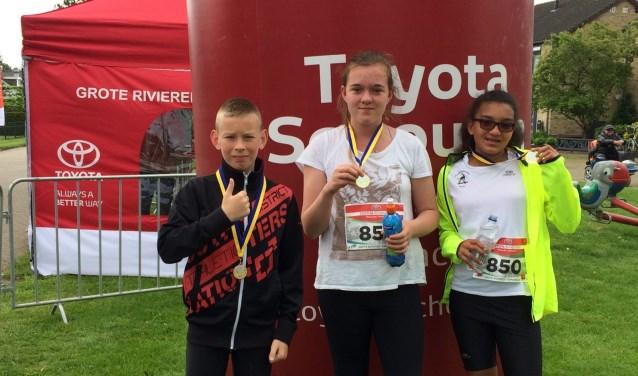 Drie jeugdatleten van Atletiekvereniging AAA deden mee aan de vierde wedstrijd van de Grote Rivieren Loopcircuit.