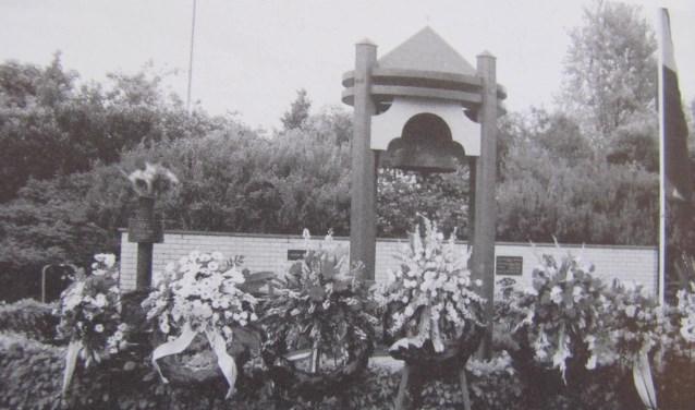 Dankzij drie jonge waaghalzen herdenkt Veldhoven op 4 mei bij het Klokmonument.