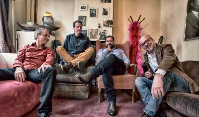 Estafest bestaat uit vlnr Jeroen van Vliet, Oene van Geel, Mete Erker en Anton Goudsmit (foto: Eddy Westveer)