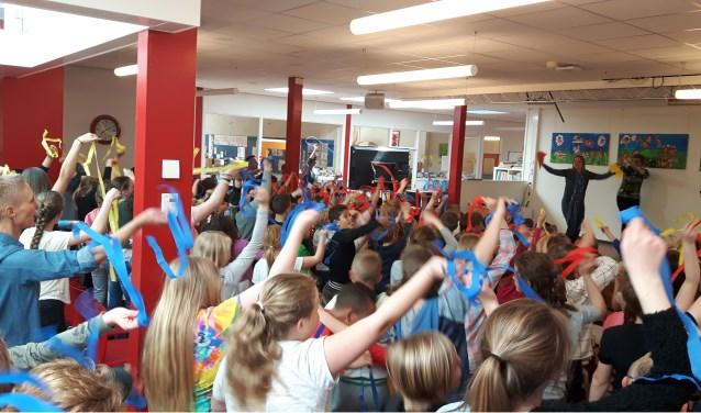 De leerlingen van Basisschool de Bonte Pael zijn binnenkort Mondriaan-experts.