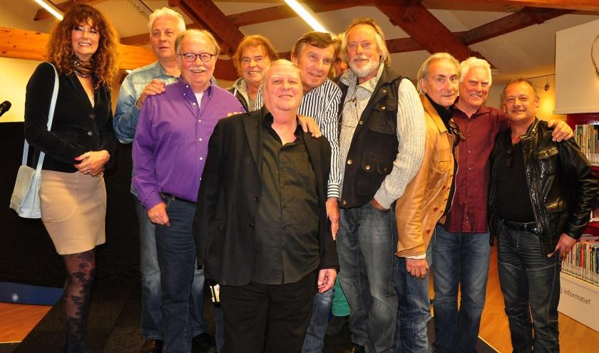 Haagse popglorie met onder meer Klaasje van der Wal, Cesar Zuiderwijk, Peter de Ronde, René Nodelijk, Jaap Schut, Ruurd Berendes en Rob Mindé