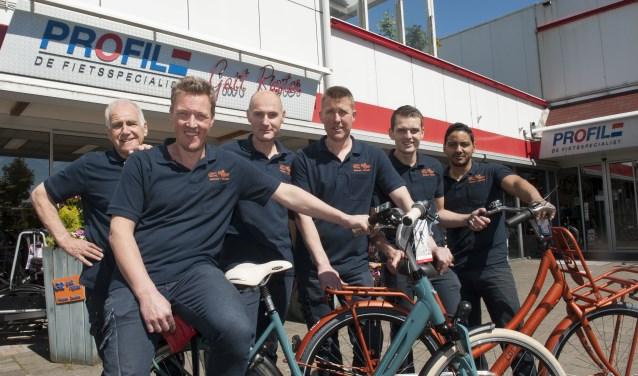 Het team van Gait Rigter, met Adri-jan Rigter tweede van links.  (Foto: Eva Posthuma)
