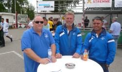 Teamleider Ron Heijboer, trainer Henk Salari en assistent Chris Latupeirissa hopen dat PPSC tegen Sparta zelf ook eens aan scoren toekomt. (Foto: Persgroep)