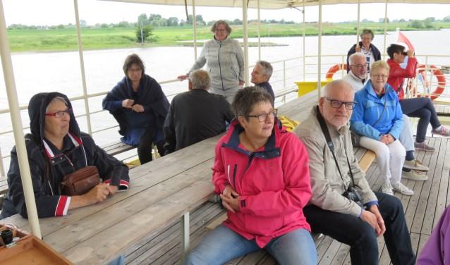Een aangename boottocht over de Rijn met het schip De Blauwe Bever is onderdeel van het nieuwe Stad en Rijn Arrangement van de Wageningse binnenstadondernemers (SOW). Foto: Doriet Willemen