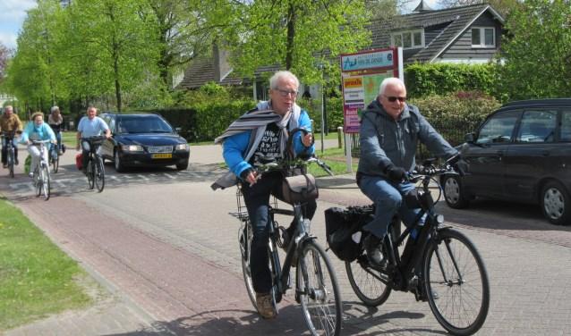Fietsgroep Den Dungen stapt wekelijks op de peddels in twee groepen waarbij er een route van 40 of 60 kilometer gefietst wordt. Binnenkort is de eerste fietsvierdaagse in Den Dungen.