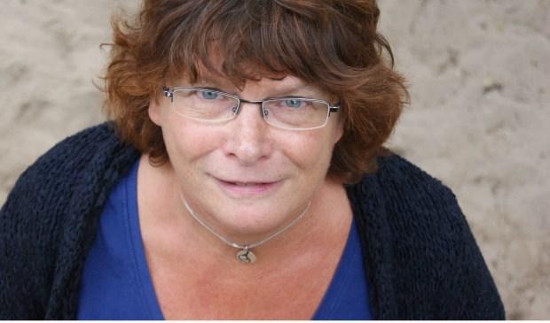 Juf Gerda Gollenbeek neemt afscheid van de Wethouder Van der Heidenschool.