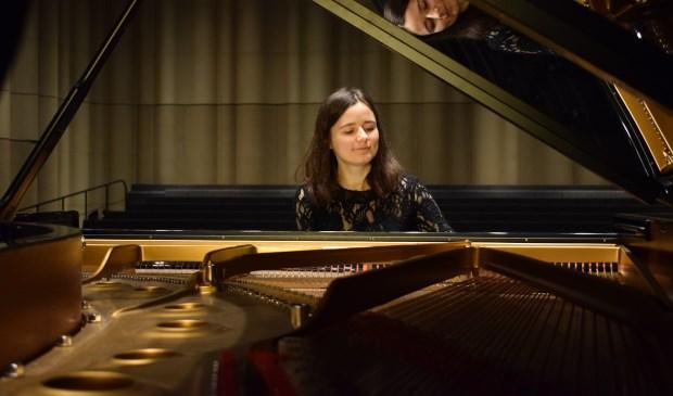 Natalia Ivashina speelt vrijdag het pianorecital 'Oorlog en Vrede'in de Exoduskerk.