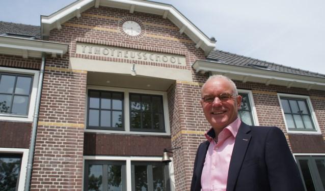 """Directeur Boer twijfelde geen moment: """"Deze schoolbel is gemaakt voor dat gebouw."""""""