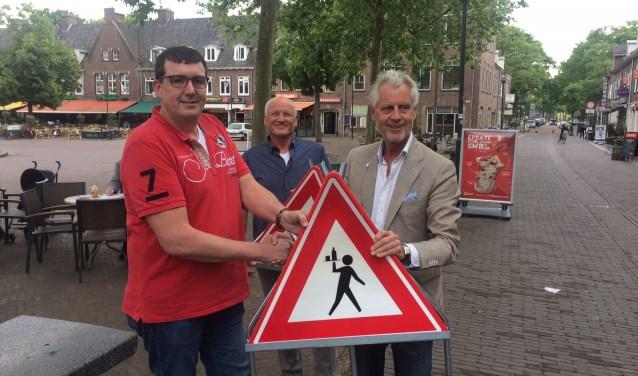 Vlnr: Erik van der Kolk, Tom Kool en wethouder Han ter Maat.