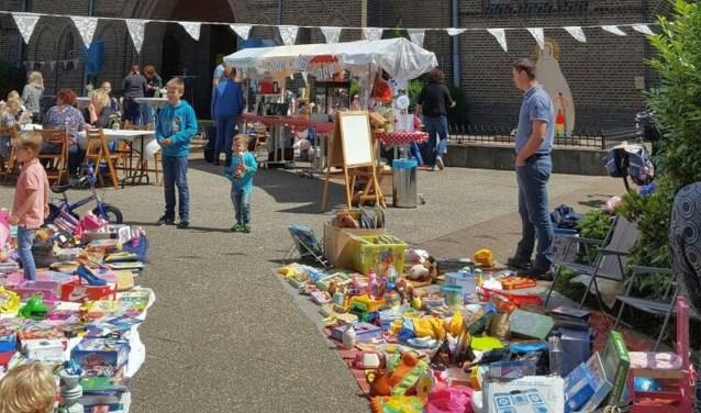 De Noorker Zomermarkt plaats op zaterdag 8 juli op het plein voor de Onze Lieve Vrouwekerk aan de O. L. Vrouwestraat in Hengelo.
