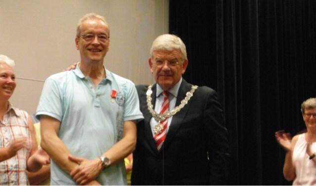 Peter Besemer was verrast door de komst van de burgemeester.