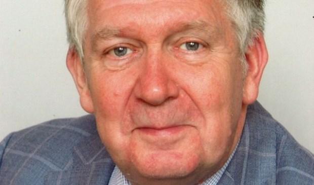 De bekende Zeister auteur en journalist Bert van Nieuwenhuizen.