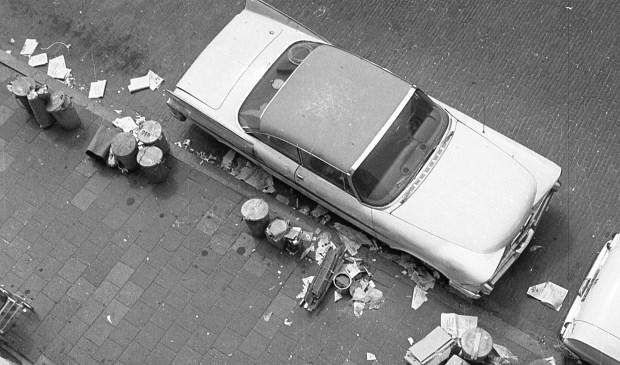 Straatvuil in de Joubertstraat. (foto: Helmuth Tjemmes)