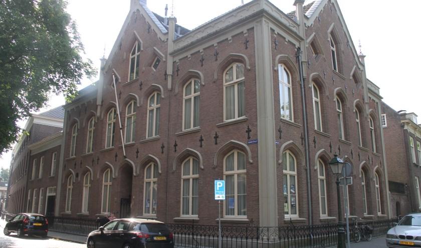 De plebanie van de Sint-Janskathedraal op de hoek van de Choorstraat met de Parade. Foto: Josephine Peren