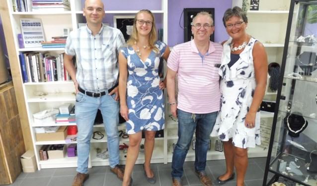 Marianne van Belzen, haar man Klaas, schoondochter Sanneke Vader en oudste zoon Wilco. TEKST EN FOTO: WILLEM STAAT
