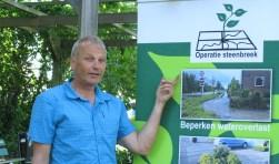 Peter Westgeest is een man met een missie: als adviseur bewonersparticipatie is hij betrokken bij de groene leefomgeving (Foto's: Morvenna Goudkade)