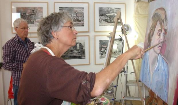 Bette Tordoir aan het werk in De Toets.