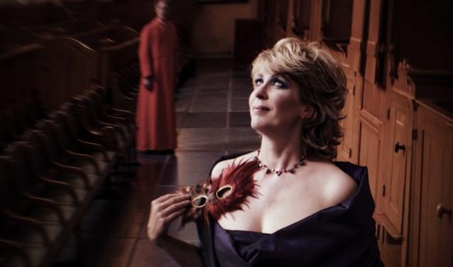 Sopraan Jeannette Zomer zingt werk van Vivaldi