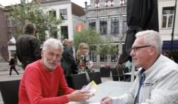 Herman Koekkoek, organisator van de Dordtse Boekenmarkt, en Casper Markesteijn, organisator van de ANV Debutantenprijs. (foto: pr)