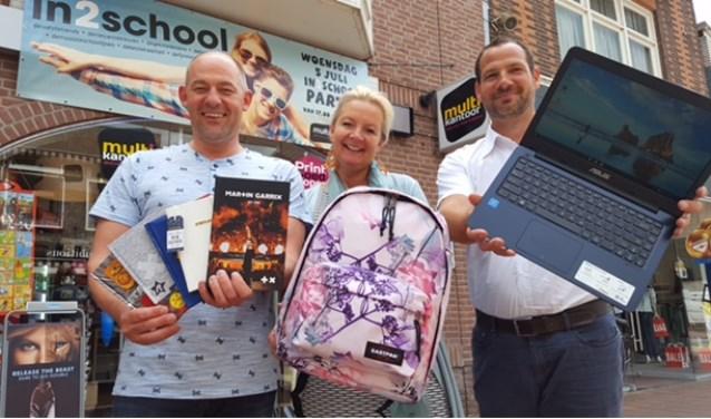 4756ba5d35c V.l.n.r. Martijn Rijssemus, Evelien Lommers en Lars Elferink zorgen voor  een speciale in2school koopavond!