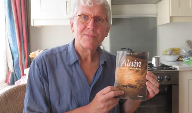 """Aart de Vries: """"Veel persoonlijke ervaringen en belevenissen zijn verwerkt in dit boek."""" Uitgeverij U2pi. ISBN 978 90 8752 9"""