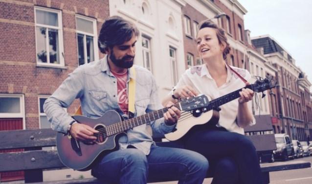 Mark en Linda vormen samen het duo Lindark en zijn op 17 juni 'op herhaling' in Nispen.