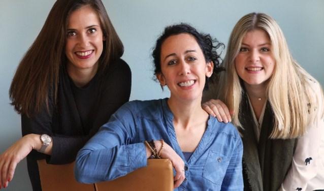 Oprichters van de stichting: Kristy van der Heijden, Marloes van Rooij  en Marjolein Schröder.
