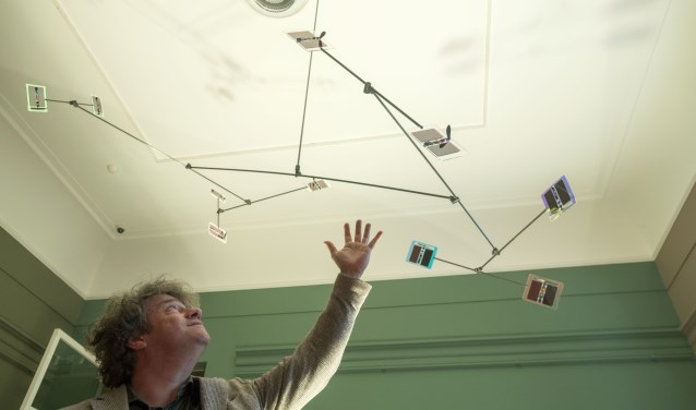 Bert Schoeren en zijn Solar Mobile. De aankoop van het Rijksmuseum Twenthe is mede mogelijk gemaakt door Mondriaan Fonds.