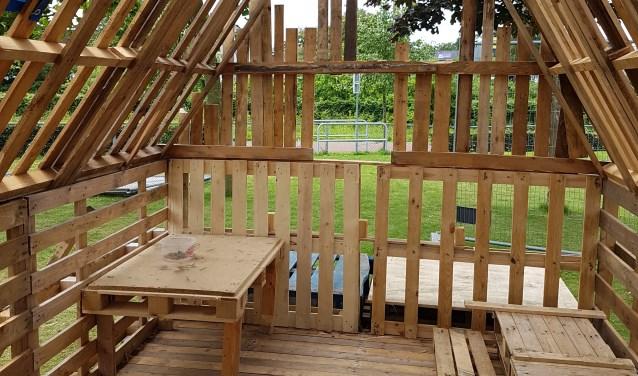 New Kinderen bouwen heus huis tijdens Jeugd ViVa bij speeltuin het #GU88