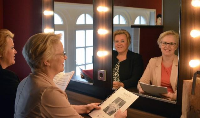 Andrea Lint en Irma Meijerzijn echte musicalliefhebbersen ze zingen zelf ook musicalhitsop maandag 10 juli met Musical4All! in de CKB Theaterzaal. FOTO: PR