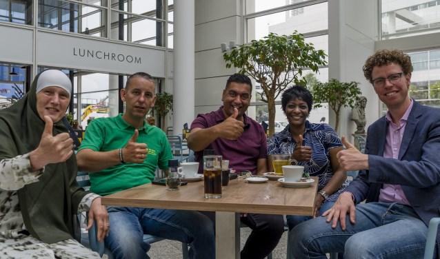 Van Links naar rechts: Rabia El Yalte, Arjen Dubbelaar, Rajesch Ramnewash, Denise Rifaela en Martijn Balster/ Foto Kim Bosch.