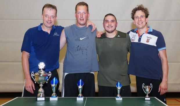 De prijswinnaars bij de senioren: 1. Herwin Wensink; 2. Bert te Lindert; 3. Zafer Zenginer en 4. Joran Holtman.