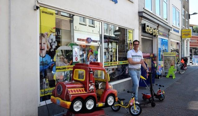 Inmiddels voert Tiels bekendste speelgoedparadijs alweer 16 jaar de naam Intertoys.