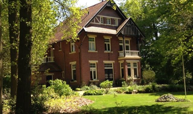 In Neede bieden de bewoners bezoekers de gelegenheid om een kijkje te nemen op de Mariahoeve, ooit het woonhuis van dichter Gerrit Achterberg.