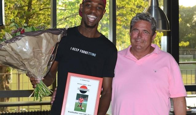 Kenchi Orcadio werd voetballer van het jaar bij Slikkerveer. (Foto: Roelie 't Jong)