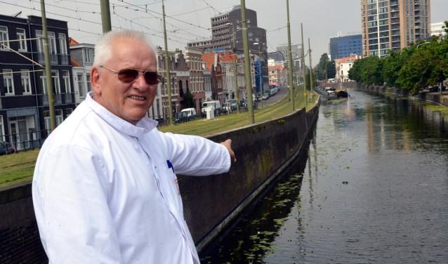 Remie op de plek aan het Zieken waar vandaan in de jaren zestig de boot van rederij Van Heijningen vertrok naar Drievliet. (Foto: Jos van Leeuwen)