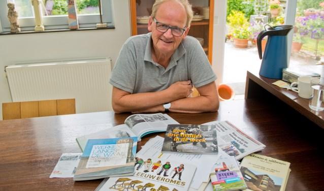 Bert Bloo verdiept zich vol enthousiasme in het industriële erfgoed van Wijchen. (Foto: Maaike van Helmond)