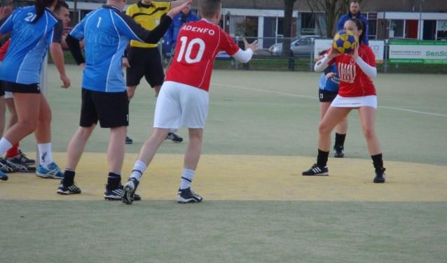De vakantie is pas begonnen maar nu al weten de spelers van de Vianense korfbalclub VIKO al wie komend seizoen hun tegenstanders zijn. Archieffoto: Thijs Middelkoop