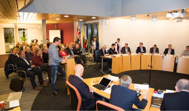 De gemeenteraad van Haaren besprak op 16 maart het rapport van Roel Augusteijn over opsplitsing van de gemeente.