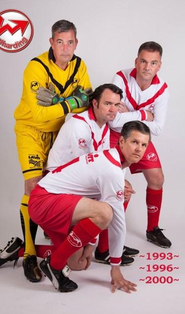Van links naar rechts: Marcel Verhoeven, Mark Nabuurs en Ron Koenen. Op de voorgrond: Manfred Jacobs.