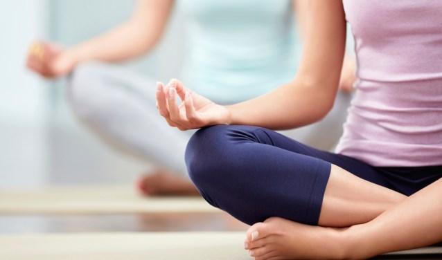 Kennismaken met yoga in bibliotheek Veldhoven op zaterdag.