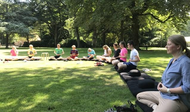 In en rondom het Parkgebouw stonden de afgelopen week meerdere workshops op het programma, waaronder mediteren.